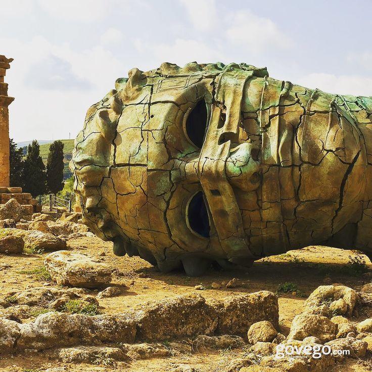 Sicilya denilince aklımıza ne gelir? Mafya, Al Pacino, yakışıklı İtalyan erkekleri... Hayır hayır tabii ki Yunan Tapınakları. Agrigento da bunlardan biri. Hemde UNESCO Dünya Mirasları listesinde. Gidip görülesi   #doğa #naturel #yeşil #green #life #lifeisgood #seyahatetmek #seyahat #yolculuk #gezi #view #manzara #gününkaresi #huzur #an  #anatolia #turkey #travel #turizm