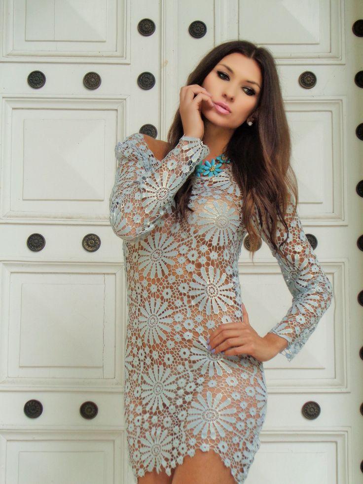 sukienka z gipiury Gabriela Hezner