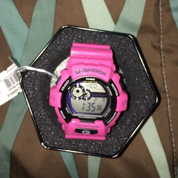 pink g - shock brand new ; still in original packaging . paid $110 but price negotiable. G-Shock Accessories Watches