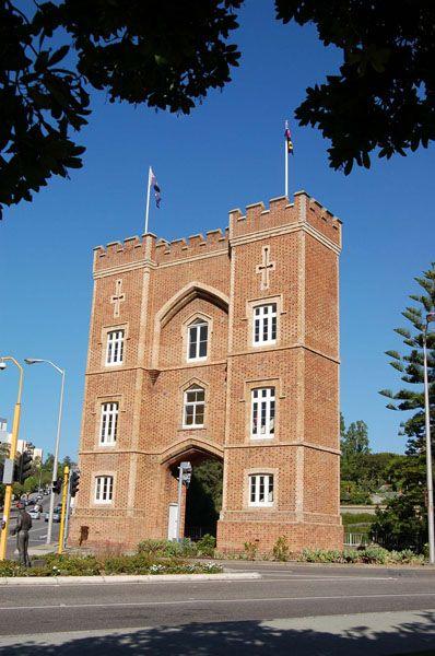 Heritage Perth -- Barracks Arch