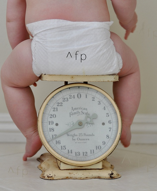 Facts and details regarding baby weight gain when pregnant through conception up to the first Six months of existence. Understand the weight your newborn should really be based upon their age.  no greater weight, http://pregdiets.com/baby-weight-gain.html