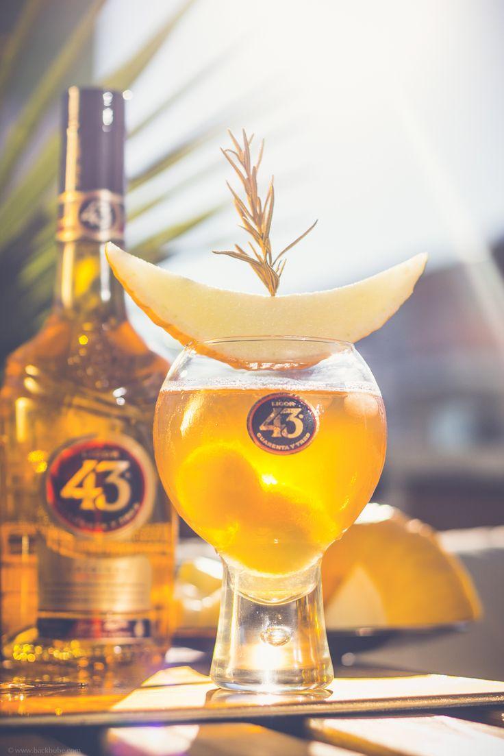 """Golden Summer Tea - Goldene Momente mit Licor 43 - Erfrischender Eistee mit Apfel, Rosmarin, Honigmelone und einem guten Schuss Licor 43 - genießt jeden Moment und macht ihn zu einem """"Goldenen Moment"""""""