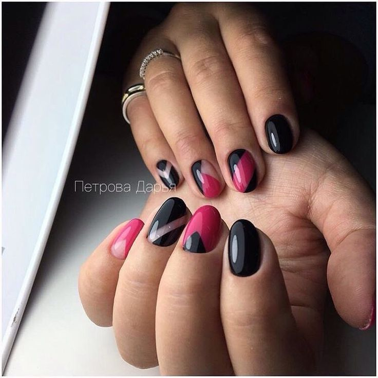 Black and pink nails, Classic short nails, Fashion nails 2017, Geometric nails, Nail art stripes, Nails trends 2017, Round nails, Translucent nails