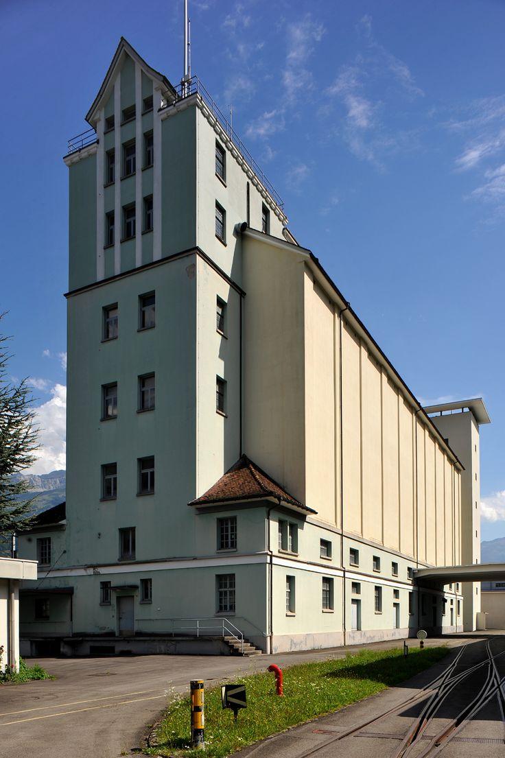 Eidg._Getreidesilo_Altdorf  Grain silo of the «Eidgenössisches Getreidelager» (Grain storage of the Swiss Confederation) in Altdorf; Uri, Switzerland.