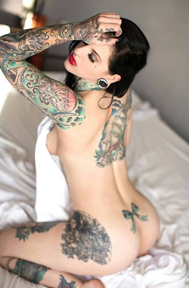 naked-women-tattoos-boy-shorts-old-lady-hardcore-porno