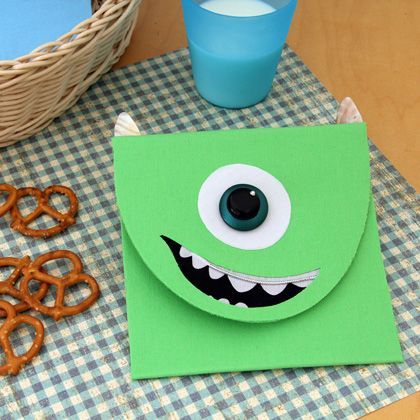 Create your very own Mike Wazowski snack pack: http://di.sn/jF9