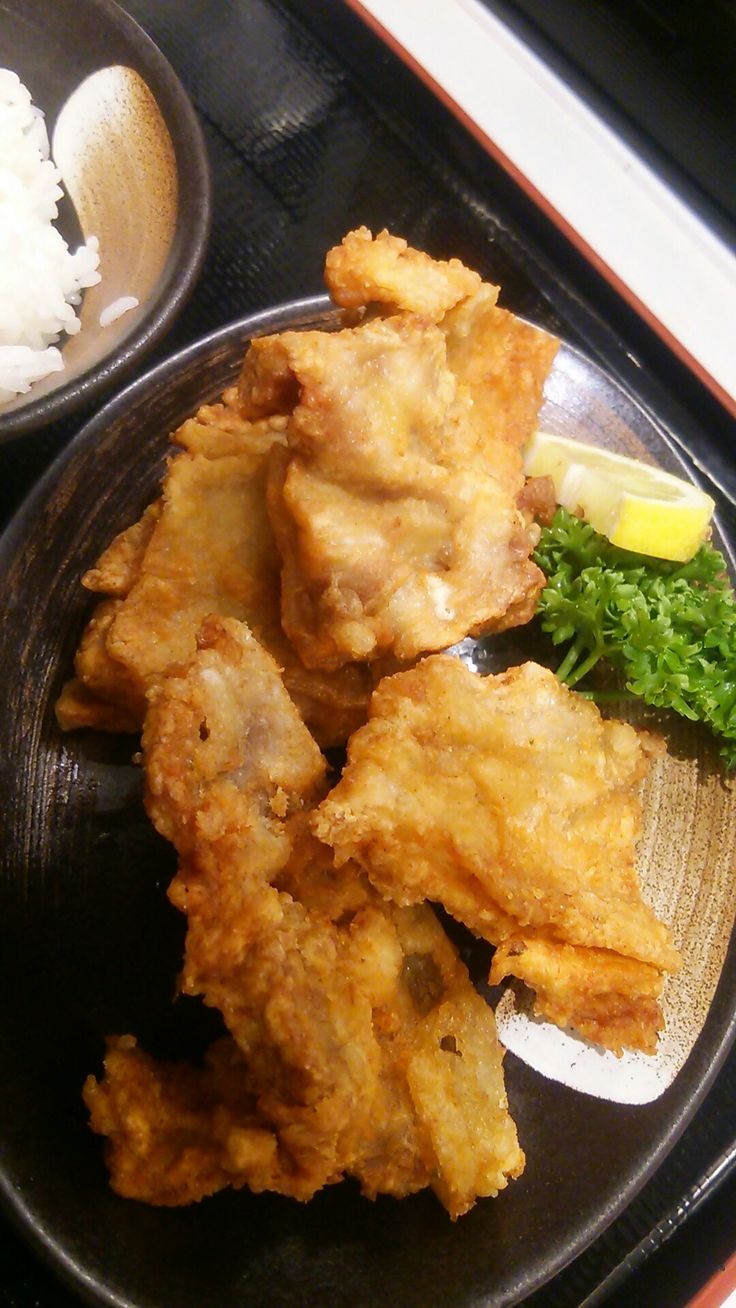 Karaage at Koga in Shinjuku. Fried thin and crispy.  : )