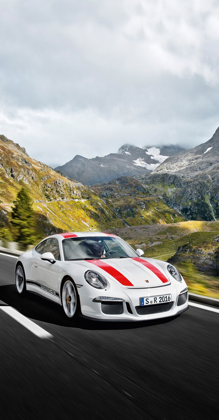The new #911R is characterized by radical purism: 6-speed GT Sport manual transmission with short shift throws and dynamic throttle-blip function. Learn more: http://link.porsche.com/911R-pin-gallery *Combined fuel consumption in accordance with EU 6: 13,3 l/100 km; CO2 emissions: 308 g/km.