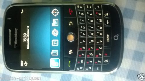 BlackBerry Bold 9000 - 1 GB - Black (Unlocked) Smartphone (Keypad -QWERTY)