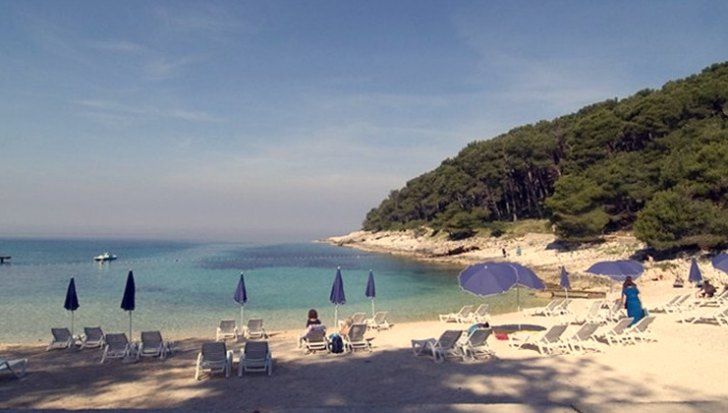 A guide to help you find the best Mali Losinj beaches, including accommodation, getting to Losinj island and things to do.
