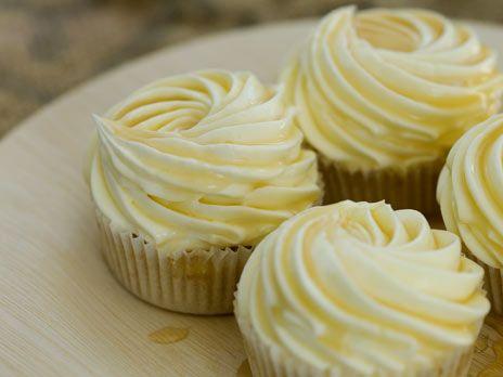 Citroncupcakes med honungsfrosting   Recept.nu