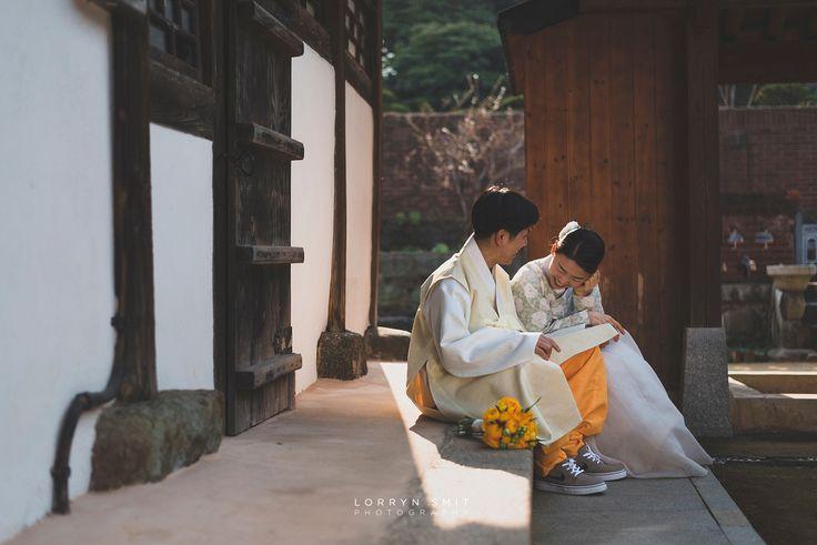 Hanbok Pre-wedding in Korea #spring #springwedding #prewedding #bride #hanok #weddingflowers #bridalinspiration #weddinginspiration #posing #couple #weddingportraits #preweddingportraits #bridalportraits
