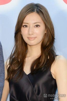 前髪を横の髪となじませて大人っぽく♪ 北川景子の髪型一覧。