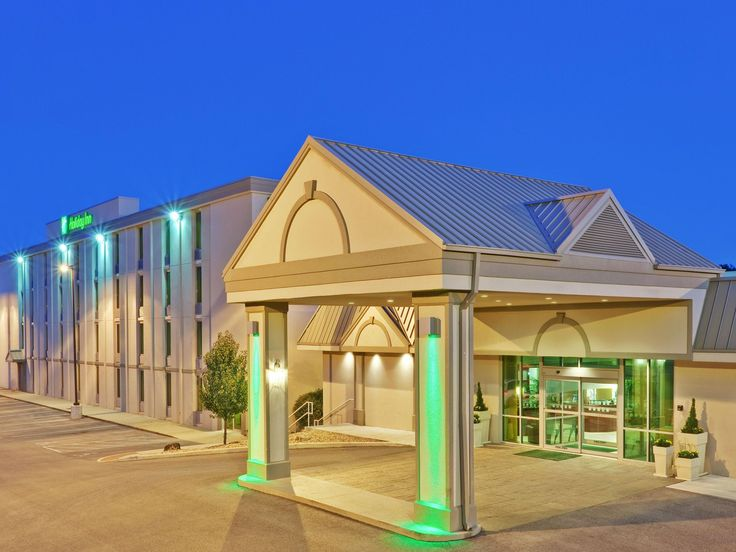 Bloomington hotel is a half-mile from Indiana University!