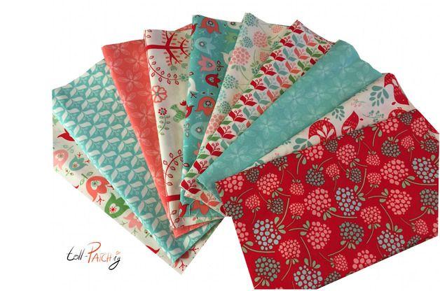 http://de.dawanda.com/product/75421455-patchwork-stoffpaket-folklore-heather-rosas