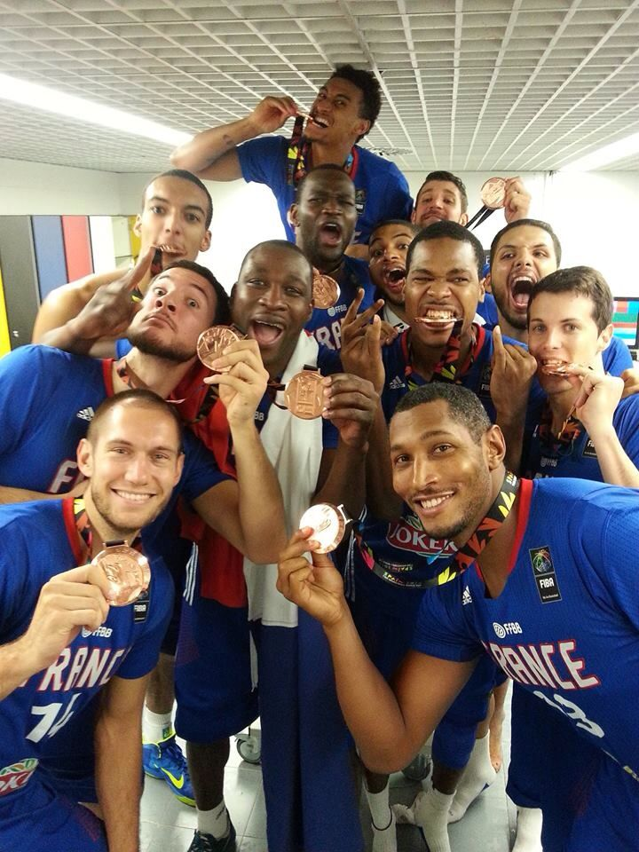 Equipe De France De Basket Championne D'Europe