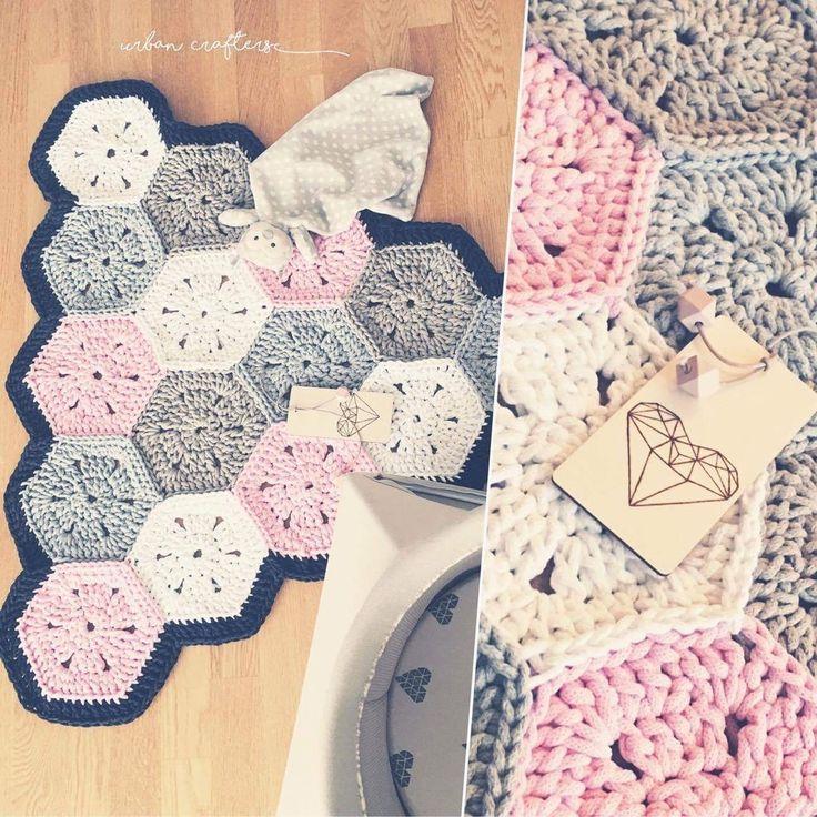Crochet Rug Emmy / Emmy Heklet Teppe Triangle Rug Crochet Zpagetti. Heklet gulvteppe