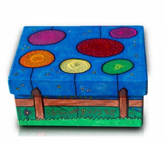caja cartón rectangular pintada con acrilicos  caja de cartón,pinturas acrílicas,barniz pintura acrílica,rotuladores acrílicos