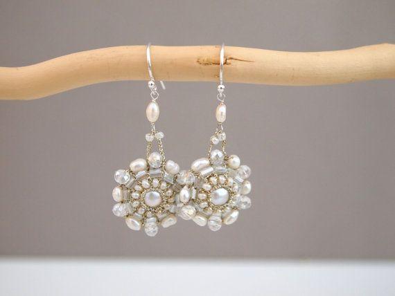 Artigianalmente orecchini lampadario nuziale di di KayaBoutique