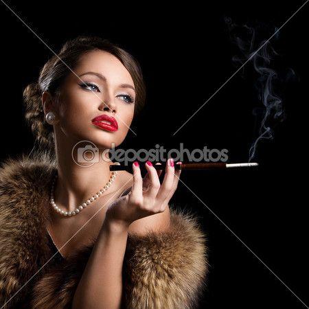 Retro attractive woman wearing fur — Stock Image #39833933