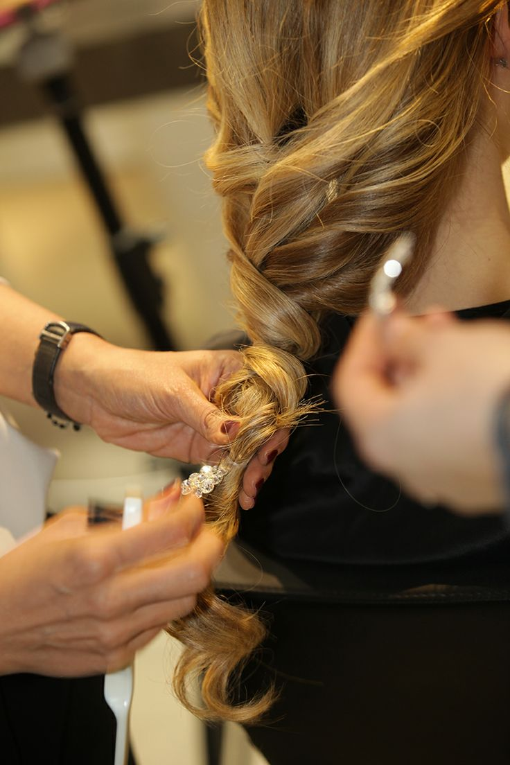 Alessia #Solidani #corso #acconciatura #capelli #hair #blondie #hairstylist #sposa #bride #wedding #flowers accessories