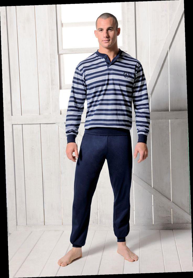 Les 25 meilleures id es de la cat gorie pyjamas et tenues for Tenue interieur homme