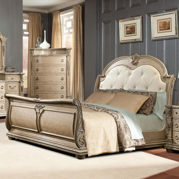 Monaco Traditional King Sleigh Bed With Diamond Tufted