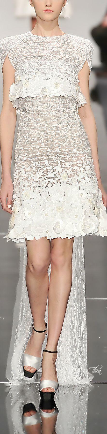 Short Wedding Dresses : Chanel ~ Haute Couture - #Dress https://youfashion.net/wedding/dress/short-wedding-dresses-chanel-haute-couture/