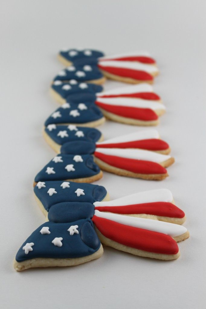 Patriotic Bow Cookies {Happy Independence Day} | Lil' Miss Cakes