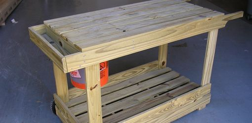 Instructions on how to build a portable potting bench / garden cart
