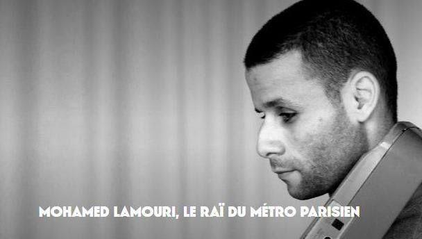 Pour une partie des usagers du métro parisien en particulier de la ligne 2 Mohamed Lamouri fait partie intégrante du quotidien. Sa peine et ses poèmes trouvent un écho étrange dans les trémolos de sa voix et les défauts de son orgue électronique. Derrière son regard assombri lun des plus populaires chanteurs de la capitale a sorti une  tape  numérique de huit titres à écouter dune traite où lon croise les Eagles Michael Jackson et un chanteur de raï romantique mort pour la liberté…