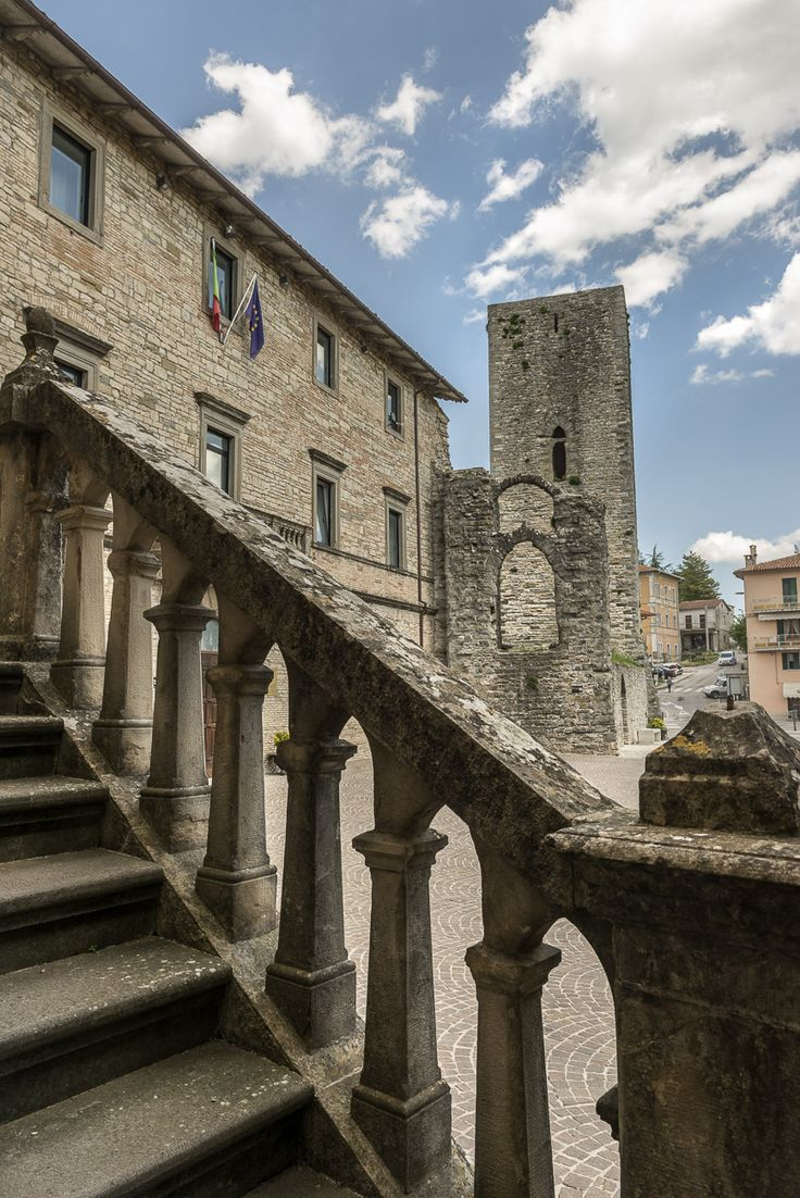 L'antica Rocca | www.infoaltaumbria.it | © Alta Umbria 2015
