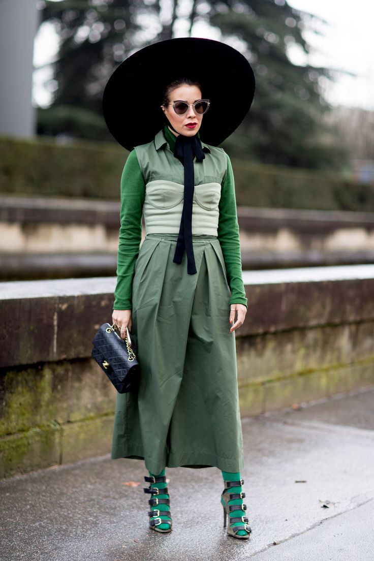 Paris Fashion Week Street Style Fall 2018 Day 6 - The Impression