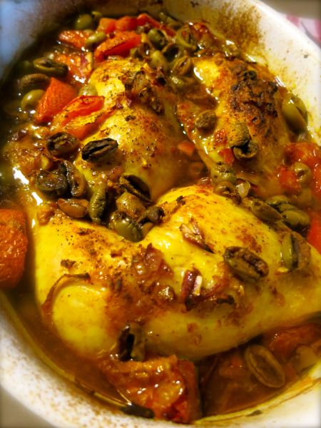 kip met gember, citroen, olijven en tomaten