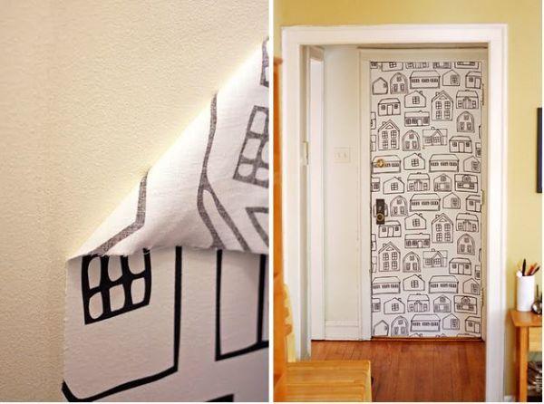 Crea papel tapiz de tela personalizado Usa una mezcla de agua y almidón de maíz para pegar la tela a la pared. Así, cuando te canses, podrás removerlo sin problemas y cambiarlo por otro. Puedes pintar la tela con tus propios diseños o escoger una con un patrón que te agrade.