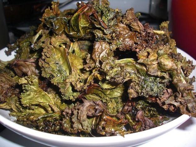 Fritura de col rizada   25 aperitivos para fiestas que deberían ser prohibidos de por vida