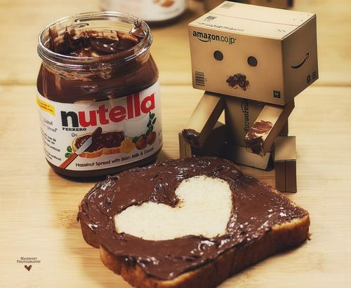 I love chocolate. More specifically, I love Nutella. Slap some Nutella on just about anything and you might just make my day. A girl's gotta love her chocolate.