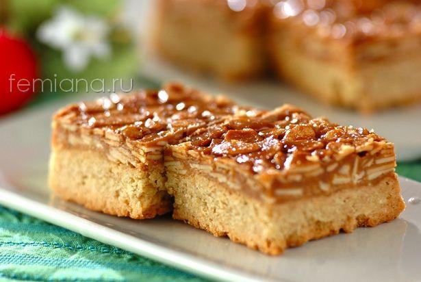 Флорентийское миндальное пирожное с медовой карамелью