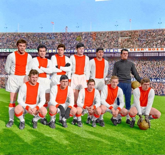 Equipos de fútbol: AJAX DE ÁMSTERDAM en la temporada 1967-68 (2)