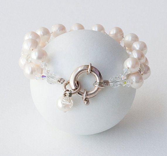 White Pearl Bracelet Natural Pearls & Sparkly by PiscesAndFishes