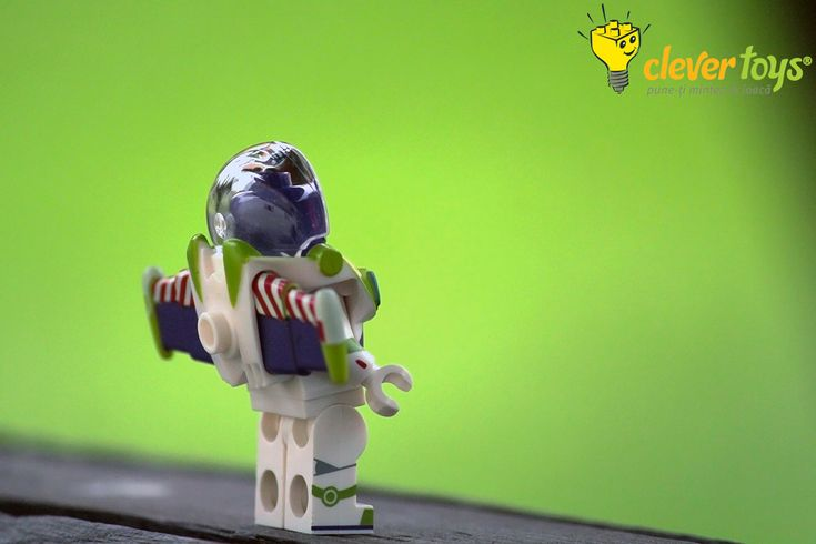 Buzz Lightyear - LEGO Disney Minifigure