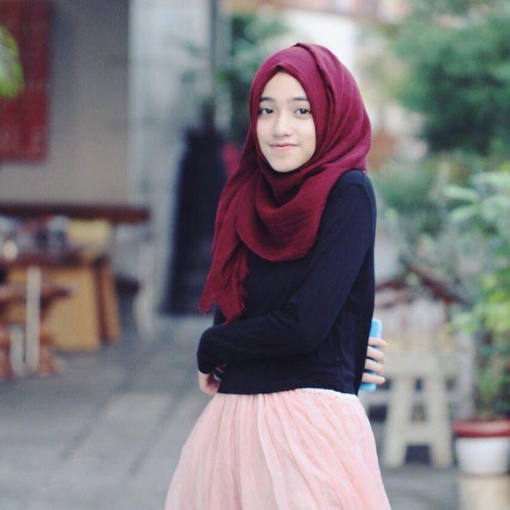 Hijab simpel nan anggun