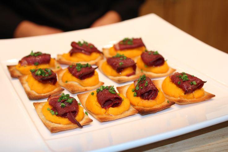 Mini tarte flambée au Magret et Potimarron Autres #recettes, #suggestion de présentation et astuces de nos #chefs sur www.feyel.com