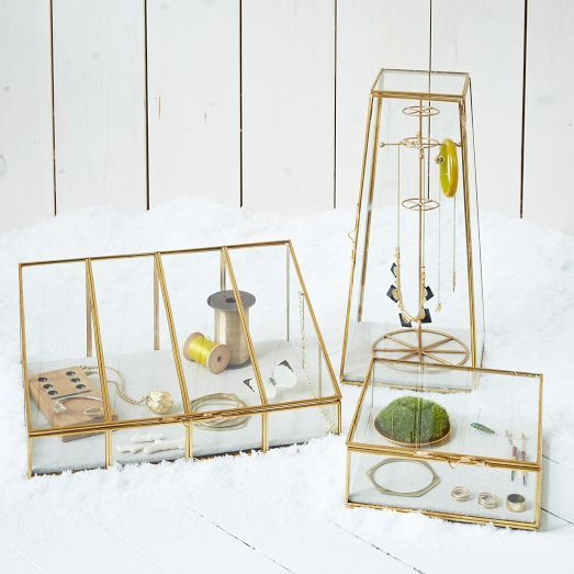 With a linen lining that's perfect for showcasing your favorite accessories and knickknacks, these Glass Shadow Boxes add charm to dressers, shelves and vanities.