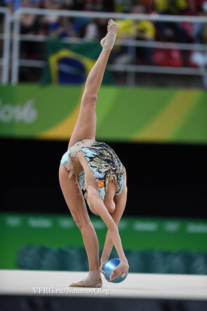 Yana KUDRYATSEVA (Russia) ~ Ball - SILVER MEDAL @ Olympic Games São Paulo-Brasil 2016 ☺️☺️ Photographer Oleg Naumov.