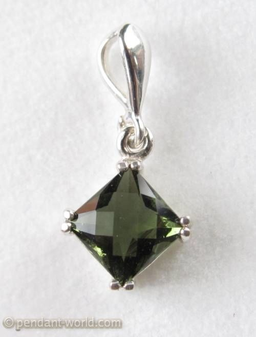 Moldavite jewelry :: Moldavite pendants :: Moldavite pendants (cut,faceted,silver 925) :: Sterling silver 7mm faceted Moldavite pendant (1 pc) - Pendant-World | Moldavite and other Gemstone Jewelry
