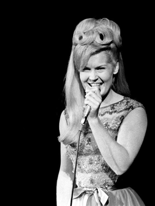 1000 Ideas About Lynn Anderson On Pinterest The Pop Country Music Singers And George Jones