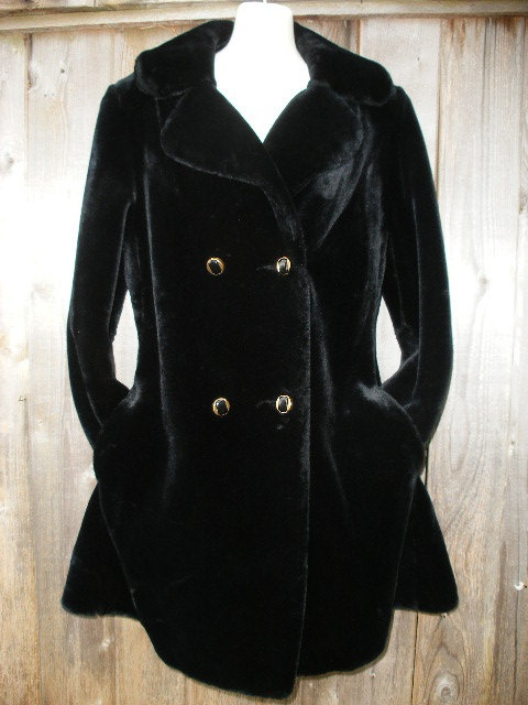 THANKSGIVING 20% OFF SALE ON ALL VINTAGE ITEMS TODAY AND TOMORROW!!! USE COUPON CODE: THANKSGIVINGSALE20 Stunning Black 60s Faux Fur Vintage Coat by VintageEclectica, $145.00