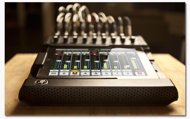 Mackie DL1608 – Une table de mixage digitale pour iPad.