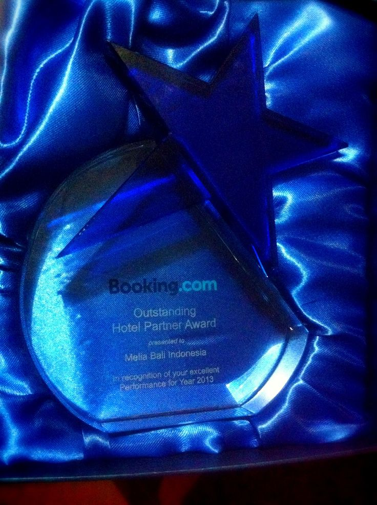 Melia Bali received an award from Booking.com as the Highest room sales in revenue for the area of Nusa Dua and Tanjung Benoa, Bali. July 18, 2014